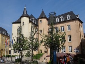 Luxembourg-ville : rue du rost, angle rue sigefroi