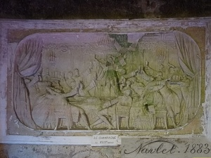 "reins : caves pommery, bas-relief ""champagne"""
